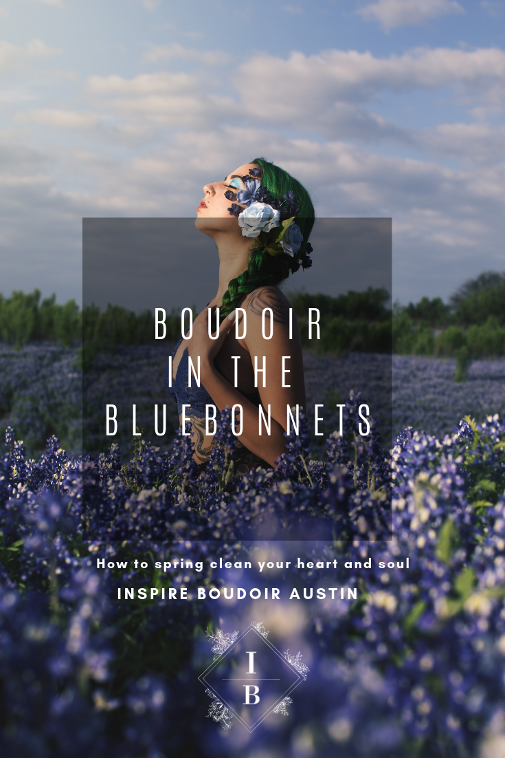 Outdoor boudoir in the bluebonnets with inspire boudoir Austin in Austin Texas